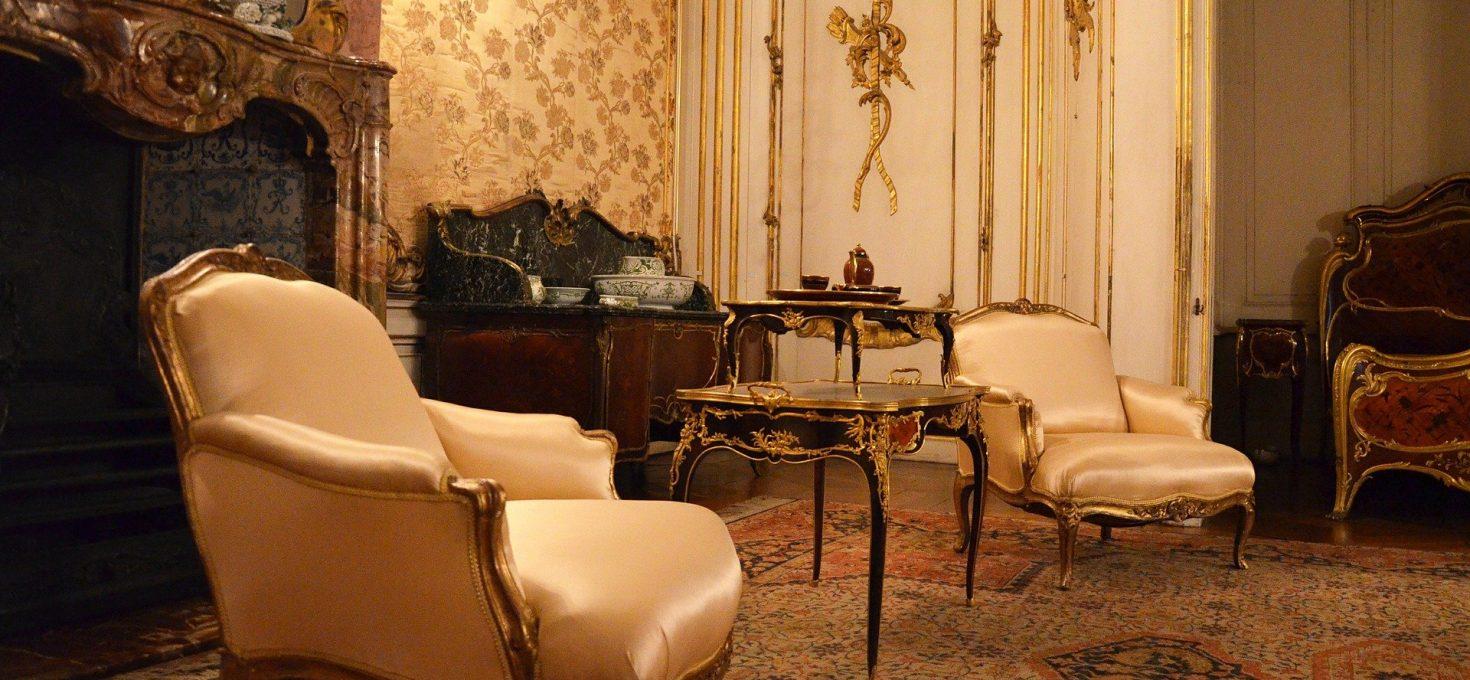 Chaise de style baroque en couleur